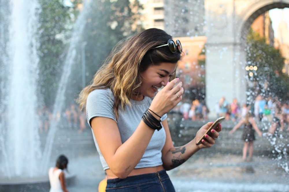 V-on-Phone